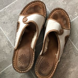 Ugg sandals w fur